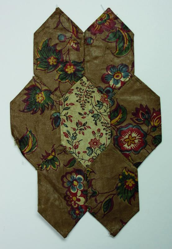 Teil einer Flickendecke / Patchworkdecke aus dem 18./19. Jahrhundert Vorderseite