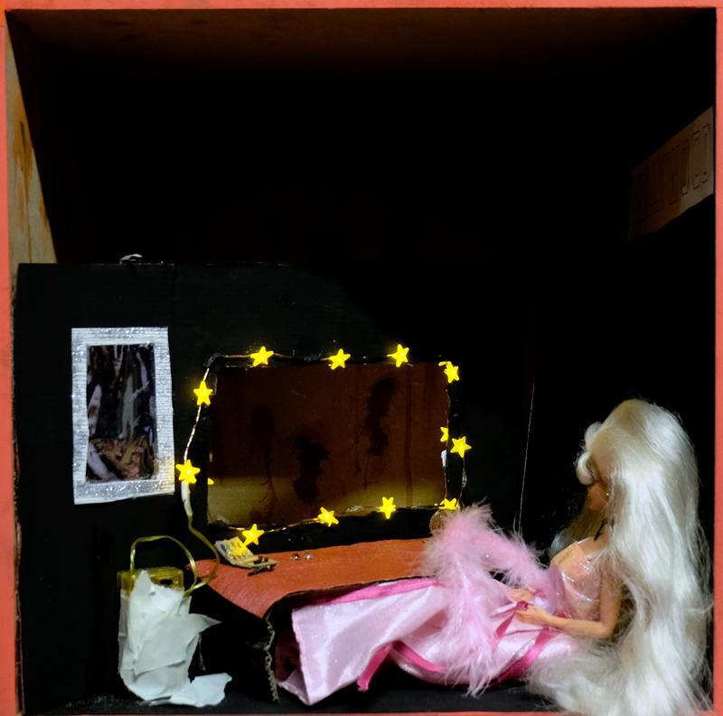 Barbie Barbie hinter'm Spiegel
